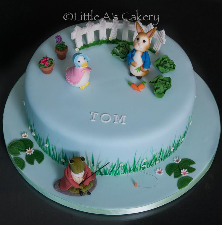 peter rabbit cake top