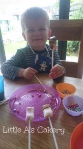 Marshmallow pops2