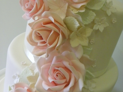 Norfolk Wedding Cakes: Romantic Floral Wedding Cake
