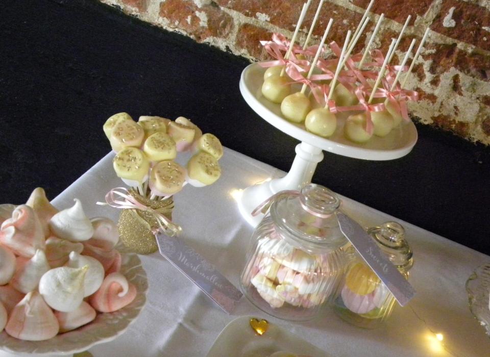 wedding-cake-table-peonies-pink-white-gold-29