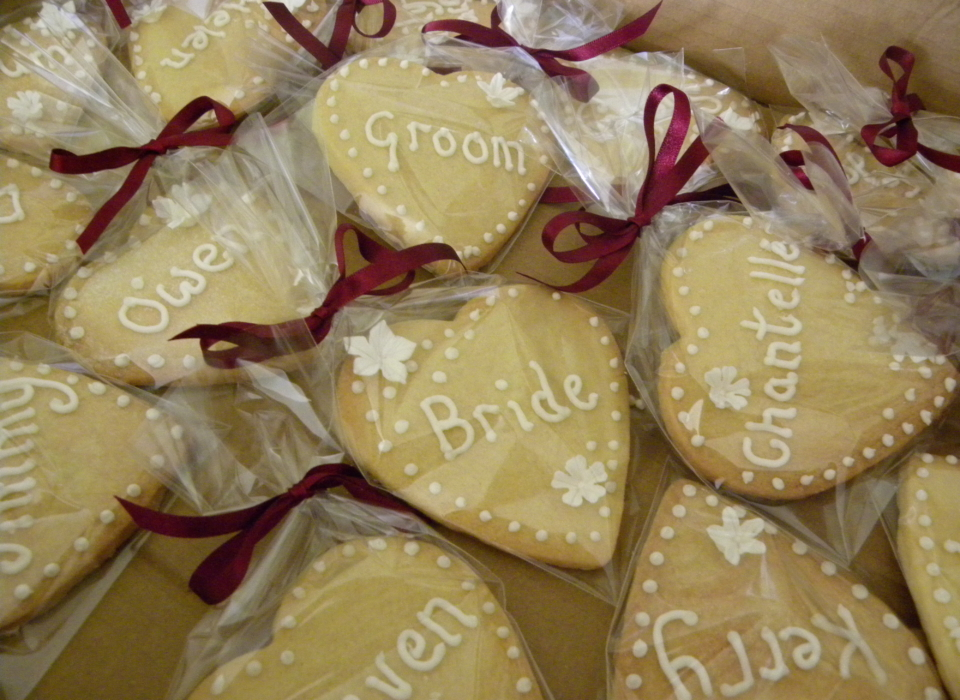 personalised-shortbread-heart-wedding-favour-5