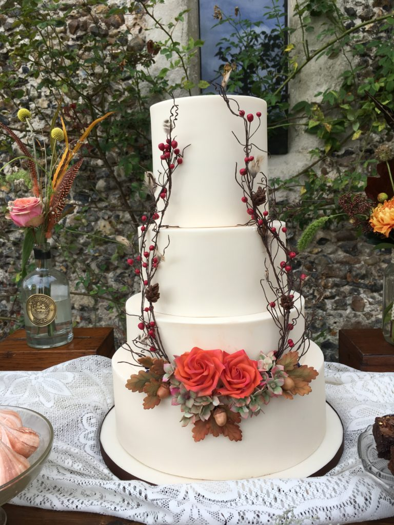 planning an autumn wedding cake