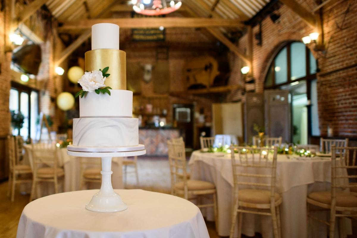 Love Artisan Wedding Cakes - Gold and Green Marble Wedding Cake