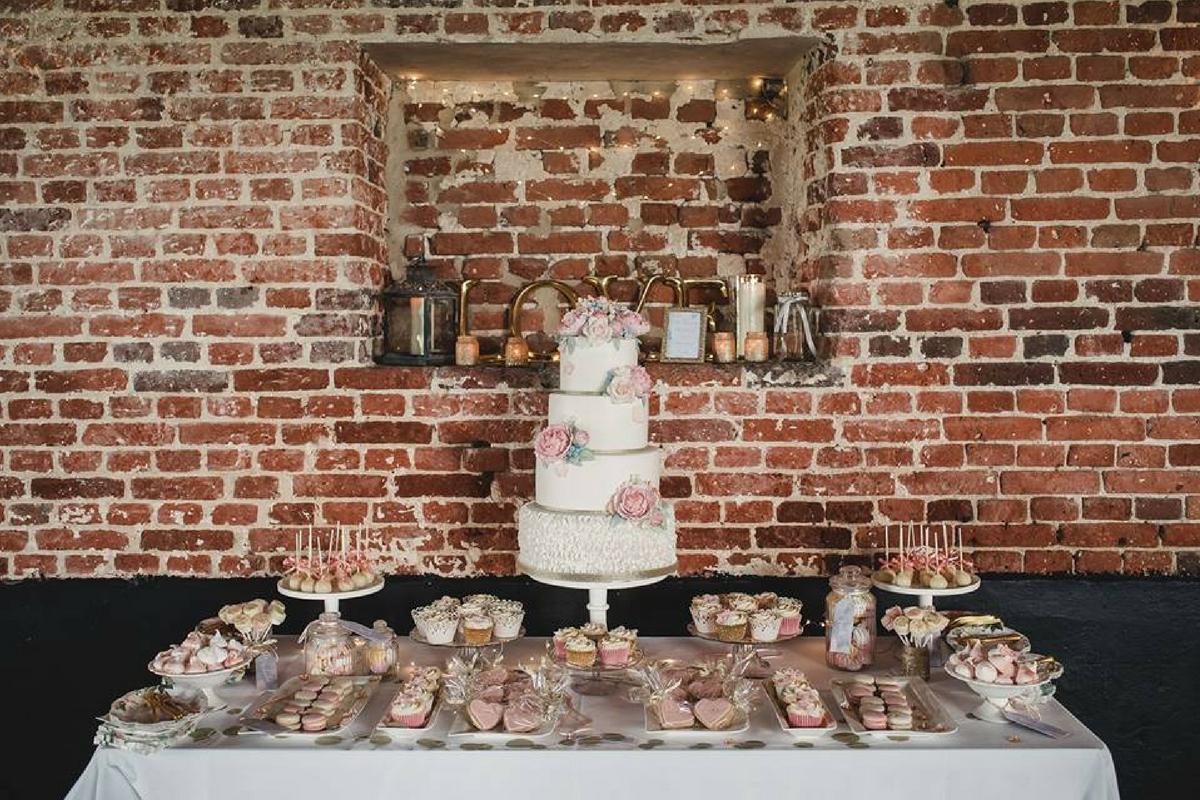 Love Artisan Wedding Cakes - Peonies Ruffles Gold Cake